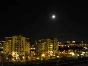full moon 001